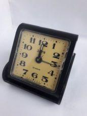 Часы будильник дорожный Заря 23 камня СССР на ходу