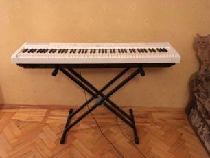 Продам Новое Цифровое пианино Yamaha P-115WH + блок питания + стойка