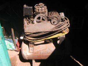 Компрессор воздушный УК-1М, 1977 г.в. 220 рабочий на салазках паспорт