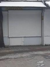 магазин біля ринку