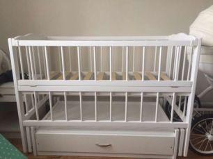 Колиска, Дитячі ліжечка на шарнірах