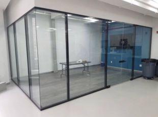 стеклянные двери, раздвижныесистемы , перегородки из стекл