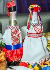 Для свадьбы в украинском стиле, на шампанское, подушка для колец
