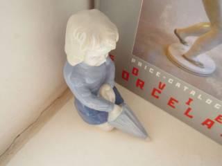 """Фарфоровая статуэтка """"  Девочка с зонтиком""""  Германия 8"""