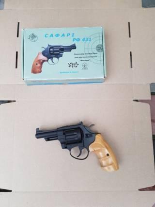Продам револьвер Safari 431