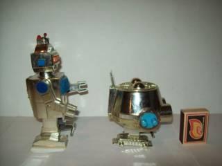 Игрушка Робот заводной про-во СССР 4
