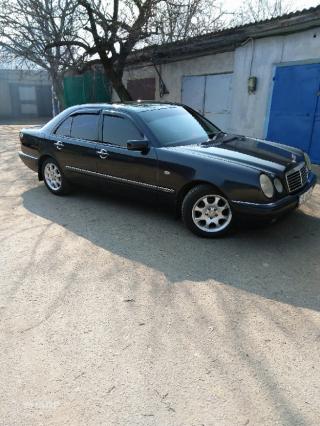 Mercedes-Benz E 280 8