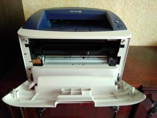 Лазерный принтер Xerox Phaser 3160B в отличном состоянии 2