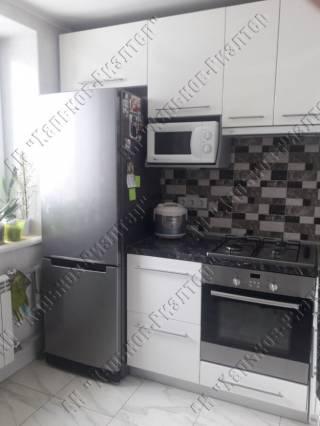 Продам 1 квартиру улучшенной планировки, м. Индустриальная