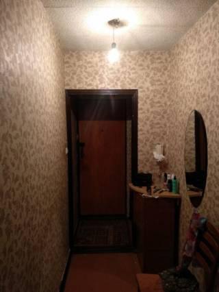 Продам 1 комнатную возле Индустриальной 6
