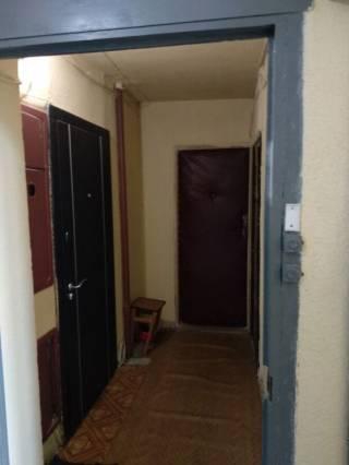 Продам 1 комнатную возле Индустриальной 3