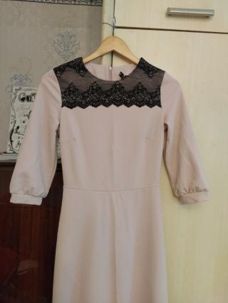 Платье нарядное с кружевом 2