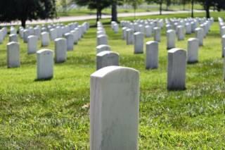 Уборка могил, уход за кладбищенскими захоронениями в Луганске