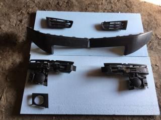 Накладки, решітки на передній бампер Рено Меган 2