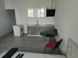 Дёшево продам 1к квартиру-студию с ремонтом и мебелью возле метро!