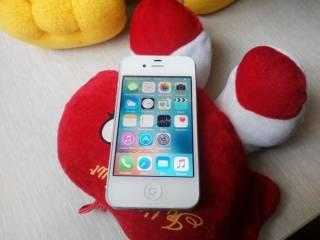 2) телефон айфон, iPhone 4
