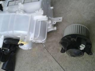 Nissan Navara D40 Pathfinder R51 радиатор отопителя испаритель 27140