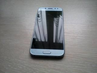 телефон Samsung Galaxy J5 2017 Duos ( SM-J530F)