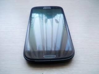 телефон Samsung Galaxy S3 (GT-I9305)