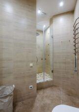 Сдается 2х комнатная квартира в центре Киева 9