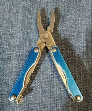 Мультитул Leatherman Squirt P4 Blue 4