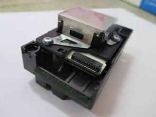 Печатающая головка принтера Epson F180040 4