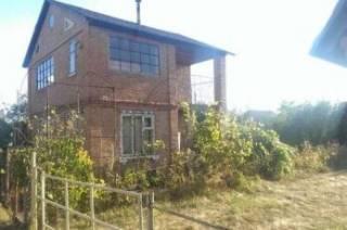 Недорогая двухэтажная дача в пригороде Полтавы.