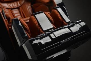 Массажное кресло Yamaguchi Axiom Chrome Limited 3
