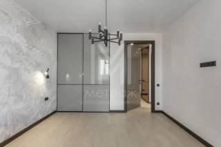 Продам квартиру с дизайнерским ремонтом ЖК Левада 8