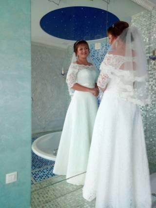 Продам свадебное платье с украшением Swarovski