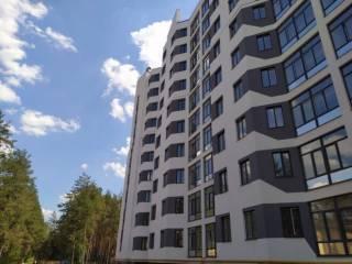 Продам просторную двухкомнатную квартиру