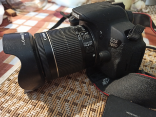 Canon EOS 700d с объективом