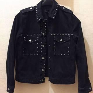Черная джинсовка с декором
