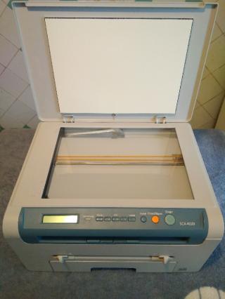 Лазерное МФУ Samsung SCX-4220 в идеале 3