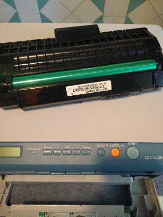 Лазерное МФУ Samsung SCX-4220 в идеале 5