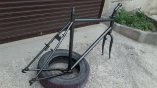 """Велосипедная рама под 28""""колеса с вилкой,рулевой,выносом и подседелом. 3"""