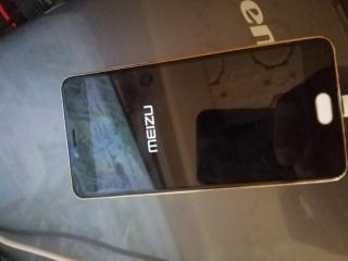 Meizu m3s с новым экраном.