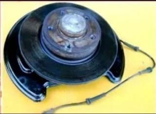 Задний тормозной диск, ступица, датчик ABS