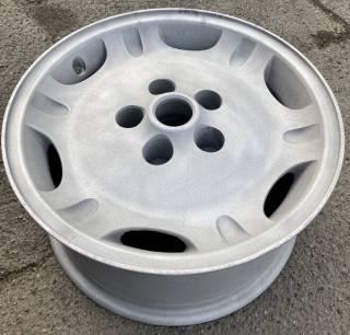 Продам оригинальные литые диски R16 - Jaguar, б/у