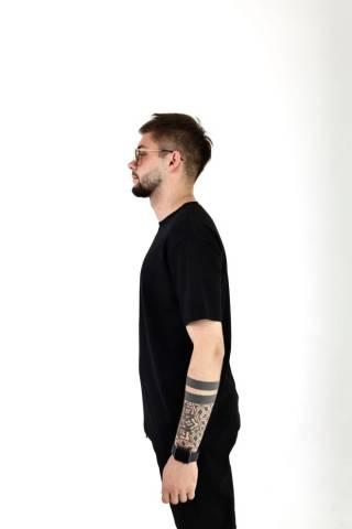 Мужская базовая хлопковая футболка прямого кроя в разных цветах 3