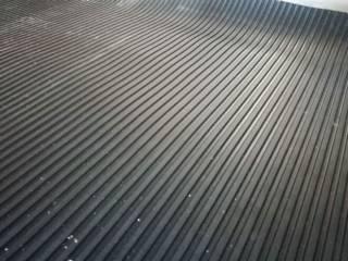 Резиновое напольное покрытие в рулонах 4