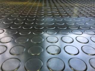 Резиновое напольное покрытие в рулонах 2