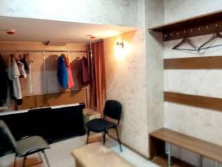 Сдам коммерцию 150 м с ремонтом и частично с мебелью, отдельный вход. 6