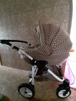 Продам детскую коляску Zippy Lux 8