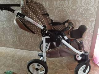 Продам детскую коляску Zippy Lux 6