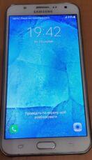 Смартфон Samsung Galaxy J7 3