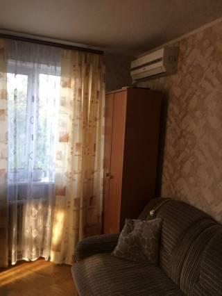 Продам 1-к квартиру м. Армейская 2