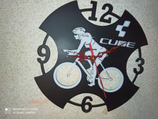 Настенные часики cube 2