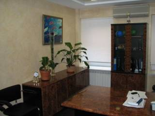 Крещатик, 55кв.м., VIP офис, приемная, первый этаж, парковка 4