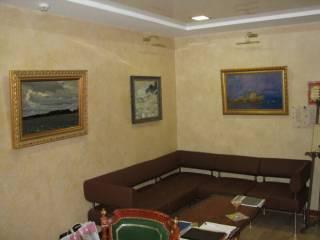 Крещатик, 55кв.м., VIP офис, приемная, первый этаж, парковка 2